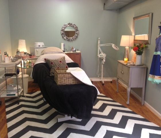 Skin Theory Esthetics in Davidson, NC    Day spa    massage therapy room    esthetician room    aesthetician room    esthetics    skin care    body waxing    hair removal    body scrub    body treatment room