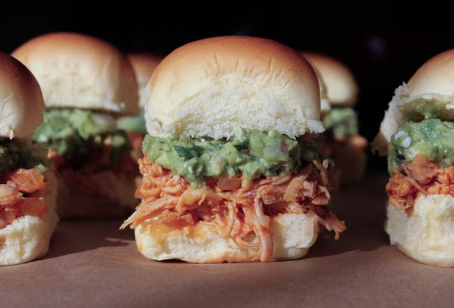 spicy-pulled-chicken-sliders-with-bacon-queso-guacamole-14