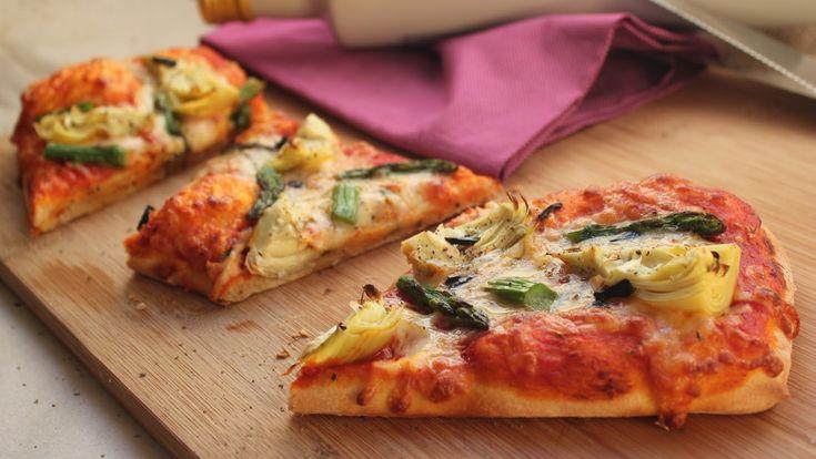 Cocinando con las Chachas: Pizza de Alcachofas y Espárragos (Masa Casera)