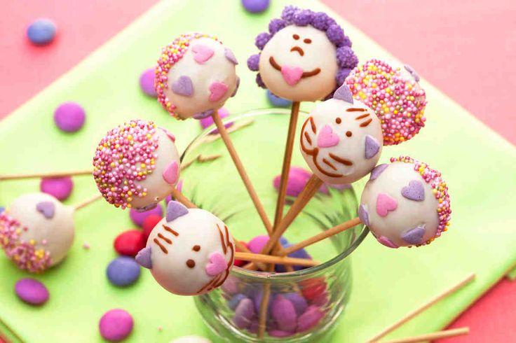 Cake pops - wypróbuj sprawdzony przepis. #smacznastrona #TescoParty #przepisyTesco #lizaki #diy #gotujemy #deser