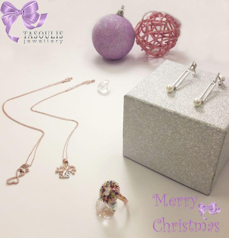 ❄️❄️All I want for Christmas is rose gold and pearls!!!! ❄️ 💫Aγοράστε τώρα με δωρεάν μεταφορικά εδώ 👉🏻 www.tasoulis-jewellery.gr  #christmas #pearls #silver #rosegold #κοσμημα #tasoulis_jewellery
