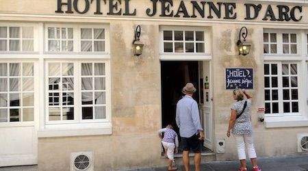 Looking for a great affordable hotel in Paris? Here are EuroCheapo's picks for the best budget hotels in Paris for 2015, all clean, cheap and central.