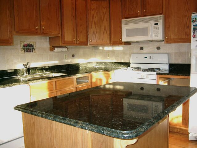 Kitchens With Green Granite Countertops Erfly Prefabricated