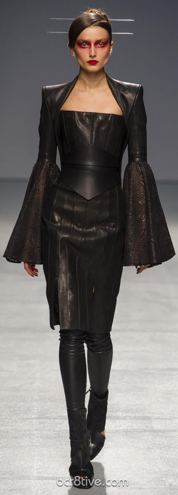 #Gareth Pugh Spring Summer 2013 Ready To Wear Collection