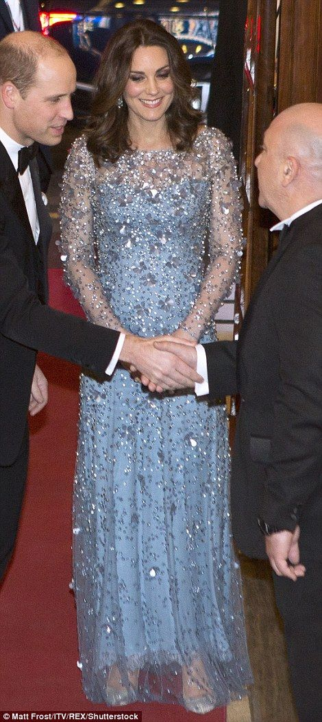 Kate looked elegant as she arrived at the 105th Royal Variety Performance in her floor len...