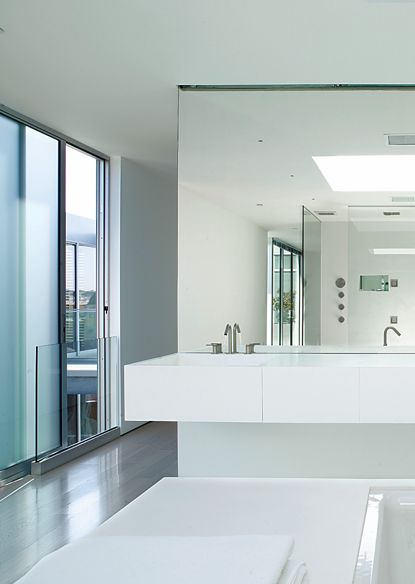 Light and clarity, penthouse in San Francisco by Stanley Saitowitz _