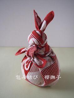 お月見の和風インテリアにも。風呂敷ラッピング「ウサギの包み結び」のやり方|2ページ目 - Column Latte