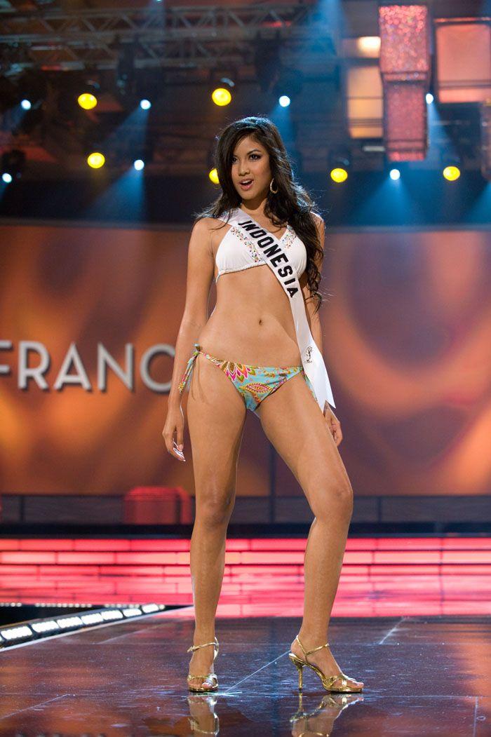 Miss-INDONESIA-Zivanna-Letisha-Siregar
