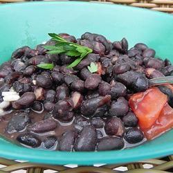 Schwarze Bohnen auf kubanische Art