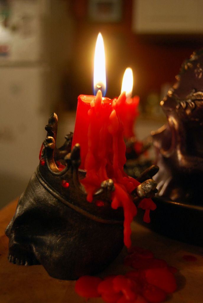 crown skull candle holder