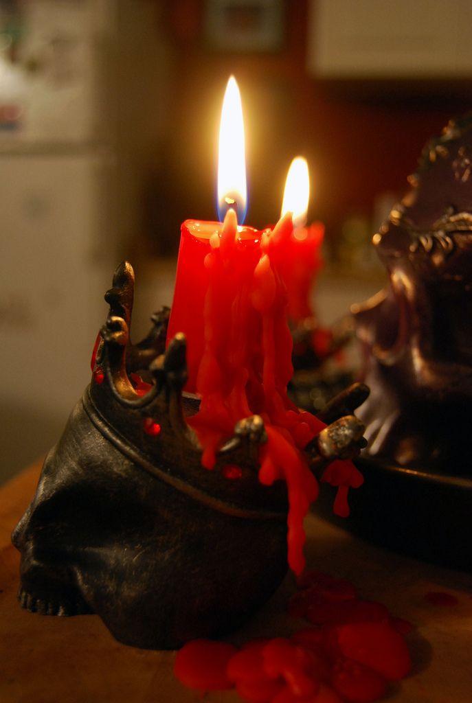 crown skull candle holder