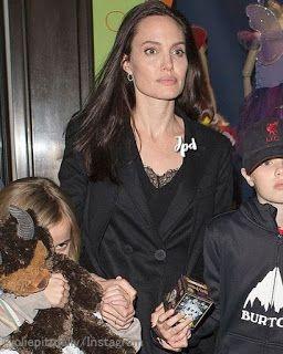 海外セレブニュース&ファッションスナップ: 【アンジェリーナ・ジョリー】この日はげっそり感が目立ってる!?子供たちとおもちゃ屋さんでお買い物!