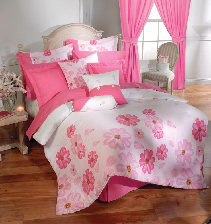 El edredón Seduzione por su gran diseño nos da una sensación de frescura primaveral, logrando que la habitación luzca mucho más alegre y juvenil.