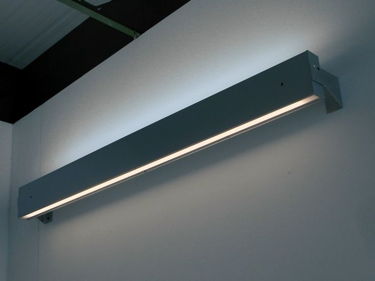 Direct-indirect light fluorescent wall lamp