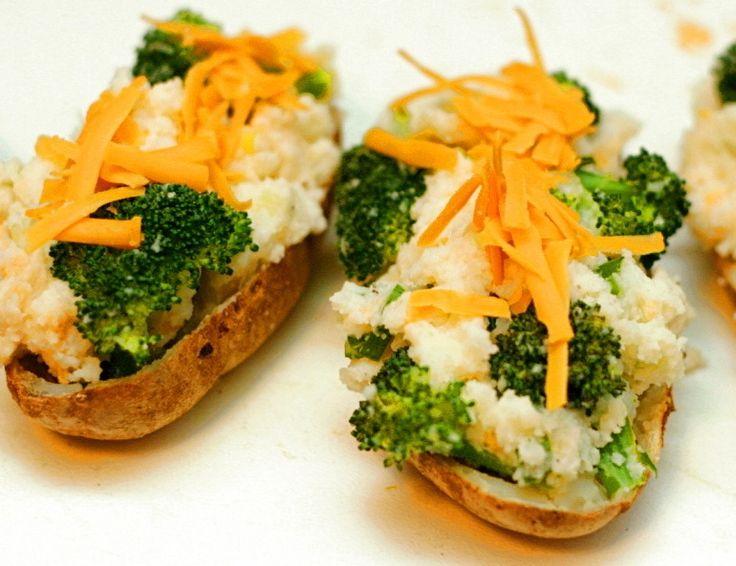 Patatas rellenas con brócoli y 4 recetas vegetarianas más de Dinamarca, tierra de sirenas, castillos y vikingos.   Te animas a cocinar sopa de remolacha, ensalada de huevos nevados, Patatas con crema y especias?? Aquí te dejamos el paso a paso de cada una ➡ Link en la imagen!  #SiendoSaludable #recetasvegetarianasDinamarca #recetasvegetarianas