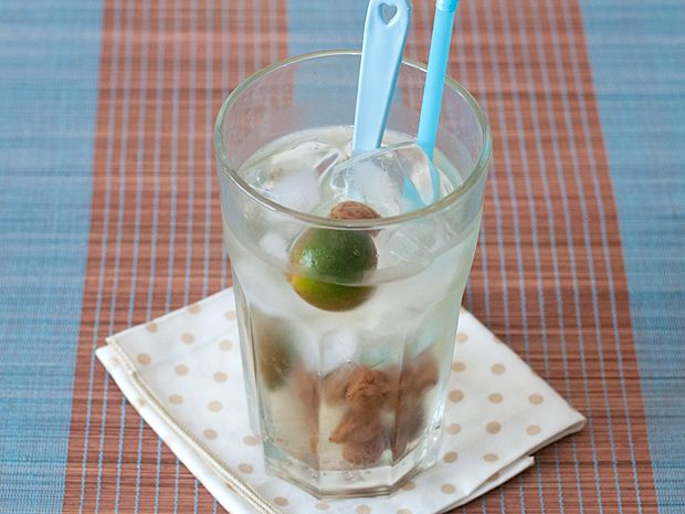 Easy recipe for sour plum drink, a popular drink in Singapore.