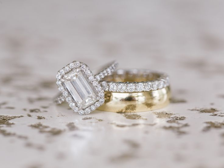 Points for Your Wedding Ring Appraisal | Photo by: Vitalic Photo | TheKnot.com
