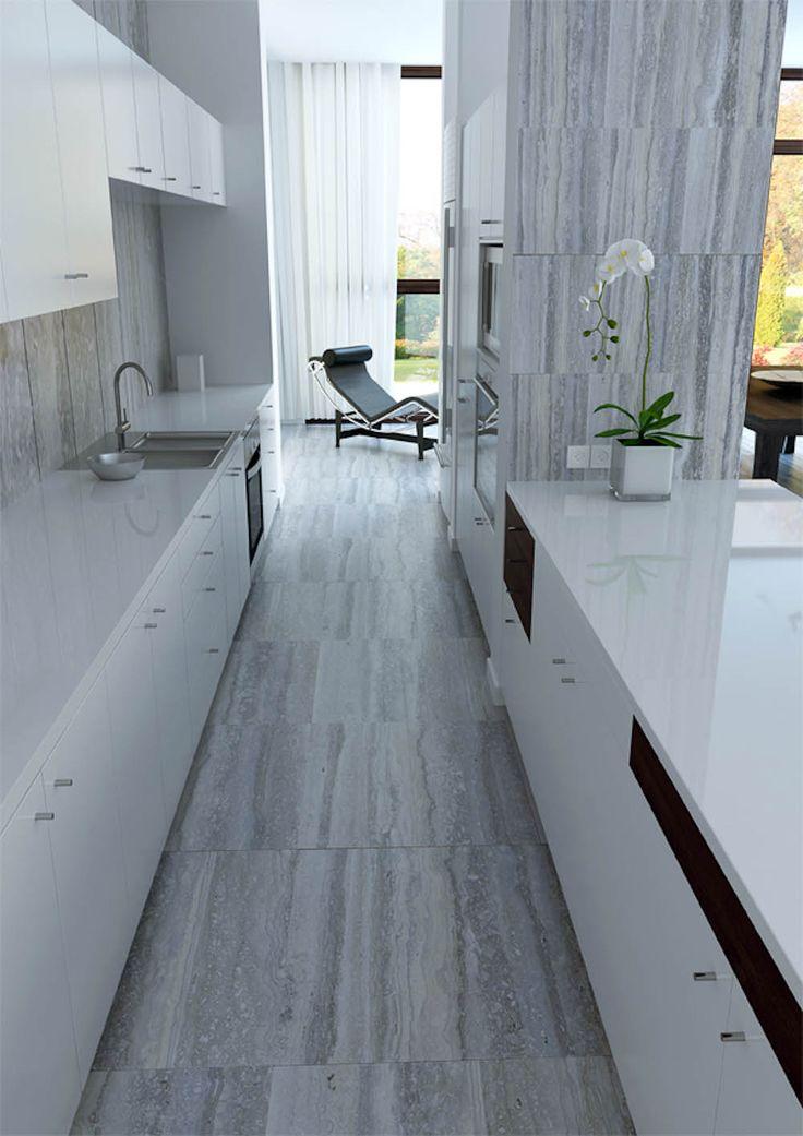 Pavimento e rivestimento cucina in travertino Silver