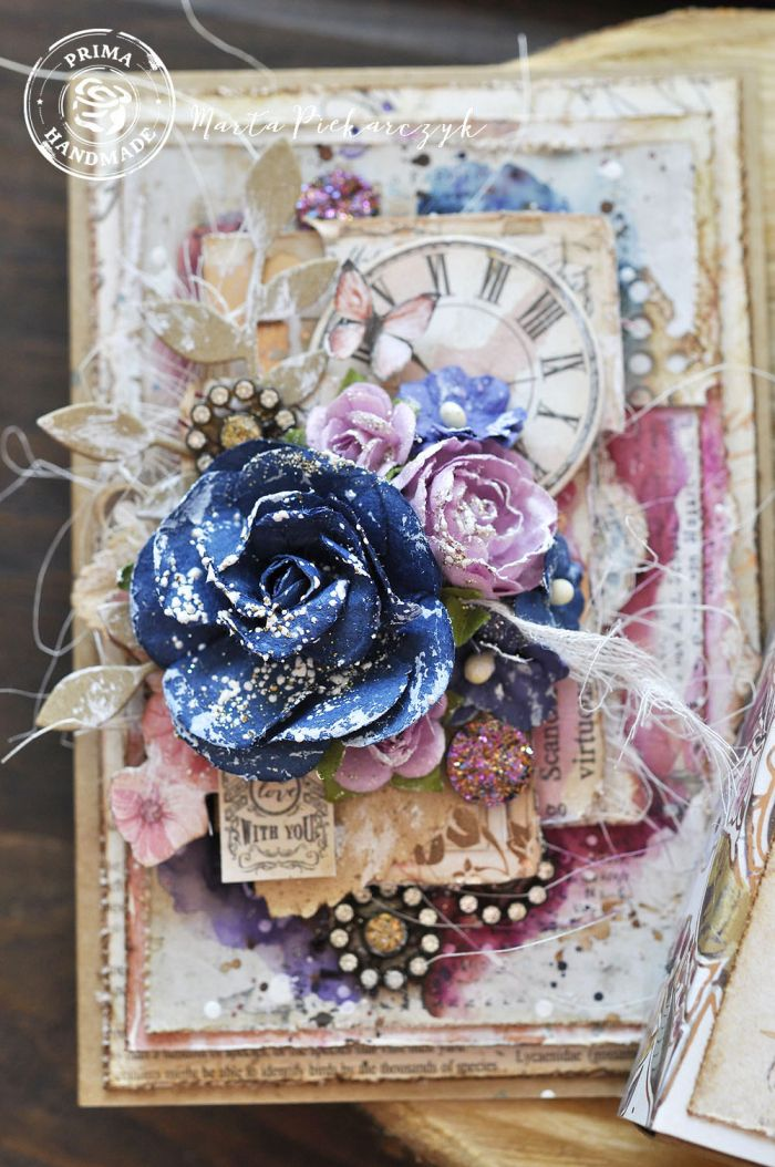 """For the box, I altered the packaging from the Sweet Vintage Box Flowers. Isn't it perfect?"""