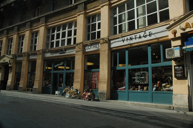 Second-hand stores in Budapest