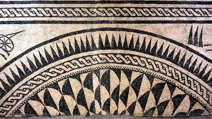I mosaici di antiche ville patrizie sono al Mar.Ta. il museo di #Taranto più famoso al mondo > http://www.madeintaranto.org/museo-taranto-per-ammirare-i-mosaici-terme-ville-patrizie/