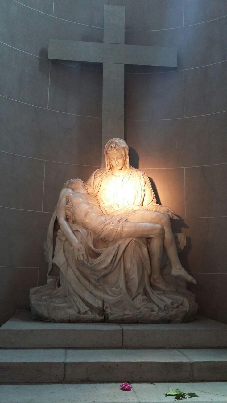 Replica exacta de La Piedad en la Catedral de Mar del Plata