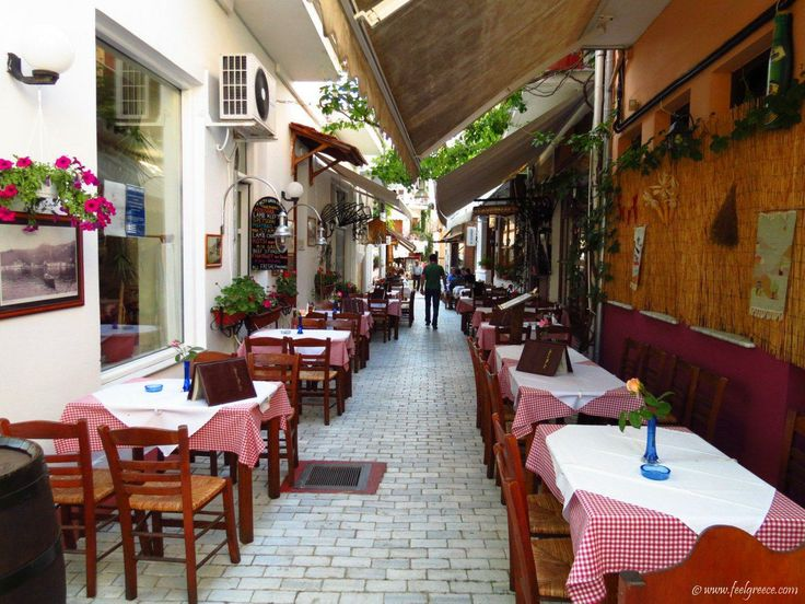 A traditional tavern in Limenas center