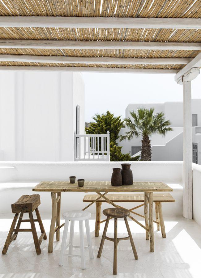 Sous le soleil de Mykonos, coup de coeur pour  cette terrasse blanchie à la chaux