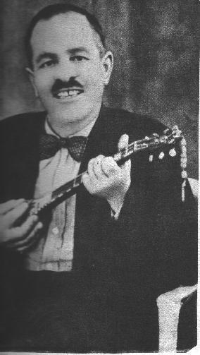 Γιώργος Μπάτης - Βικιπαίδεια -  Ο Γιώργος Μπάτης (το πραγματικό του όνομα ήταν Γιώργος Τσώρος, γνωστός και ως Γιώργος Αμπάτης) (Παλαιά Λουτρά, Μέθανα, 1885 – 10 Μαρτίου 1967) ήταν ένας από τους πρώτους και σημαντικότερους μουσικούς του ρεμπέτικου καθώς επίσης και γνωστός μάγκας του Πειραιά.