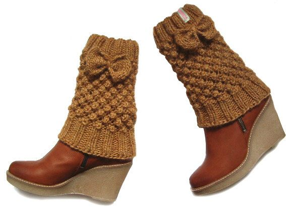 Cute leg warmers with bow in cinnamon
