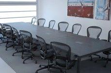 Línea Pórtico - Mesa de conferencias