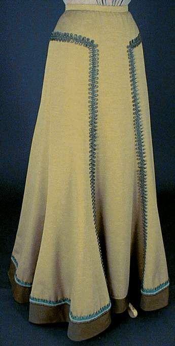 Le costume féminin de 1900 à 1914 Jupe trompette avec queue