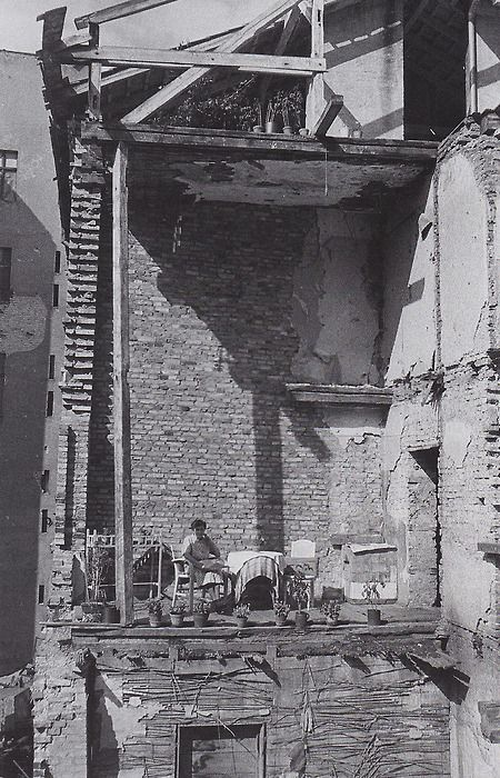 A MAKESHIFT BALCONY. BERLIN CHARLOTTENBURG, 1945