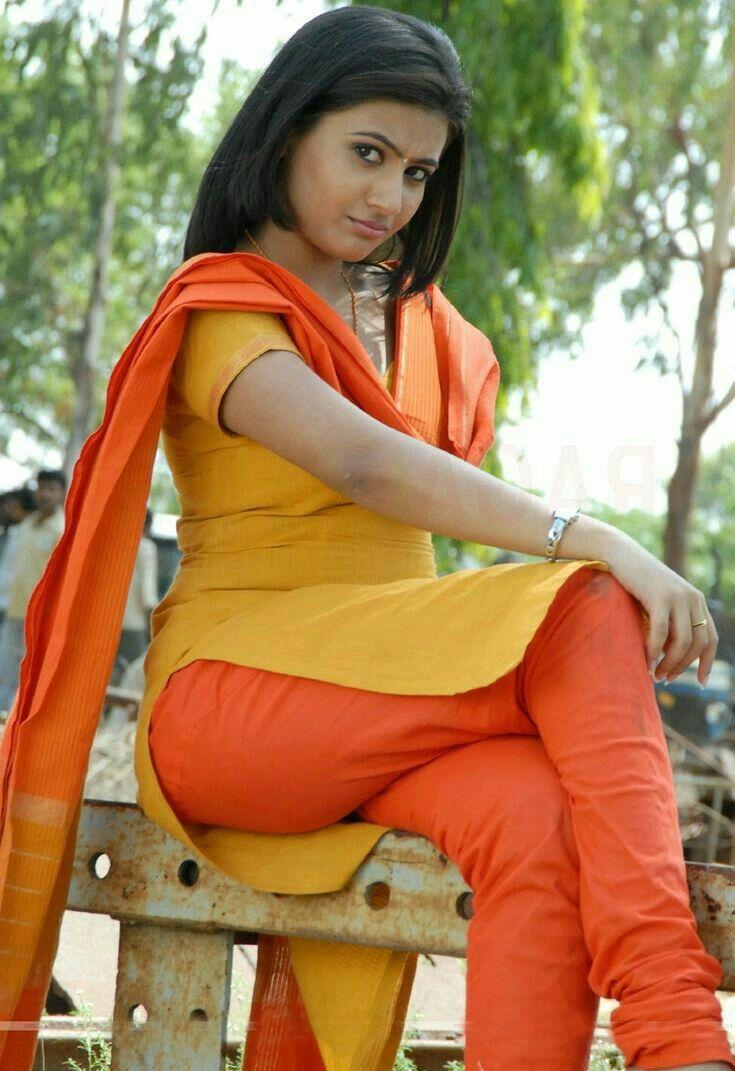 Hot punjabi kudis in showbiz pics
