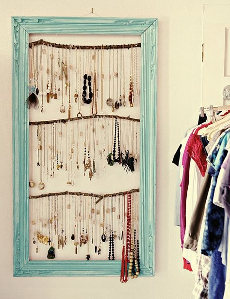 Perfect.: Ideas, Jewelry Storage, Necklaces Holders, Jewelry Display, Old Frames, Jewelrydisplay, Jewelry Holders, Diy, Pictures Frames
