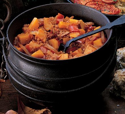 A good dish for autumn: Butternut squash casserole, cool & freeze without the yoghurt & cheese.