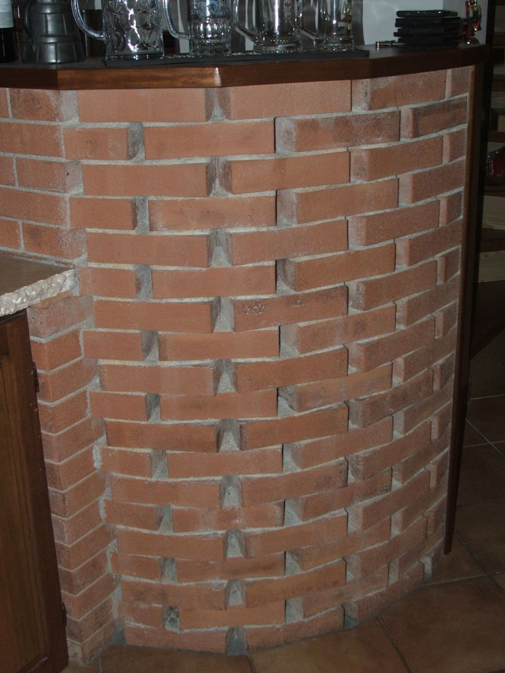 bar with antique brick masonry ....bar in muratura con mattoni antichi
