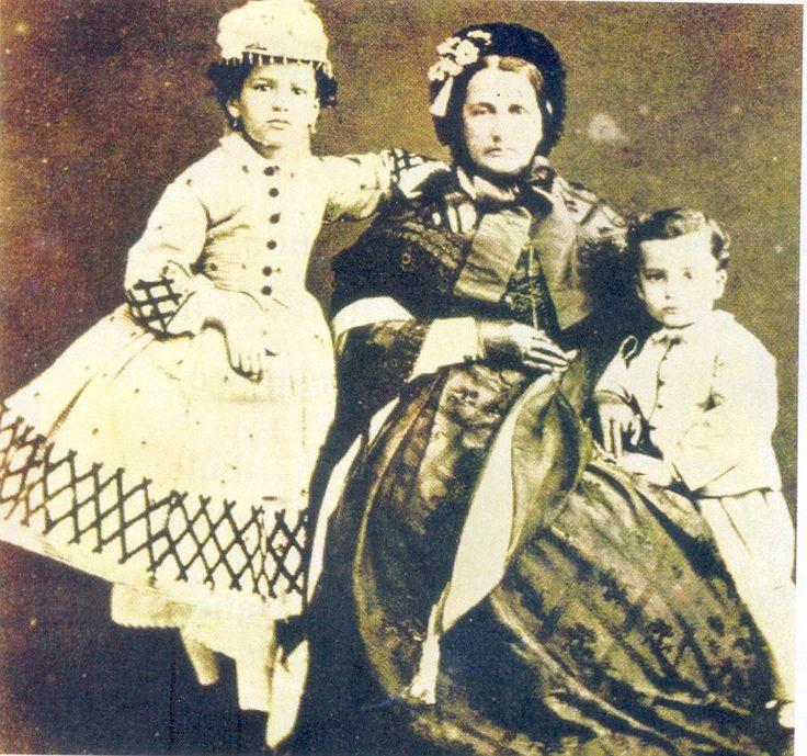 Domitila de Castro do Canto e Melo, primeira e única Viscondessa com grandeza e Marquesa de Santos, foi uma nobre brasileira, célebre amante do Imperador Dom Pedro I.
