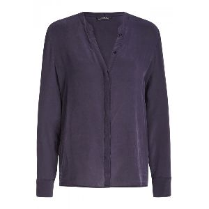 SET Fashion Tie-Neck Silk Blouse: Elegant Silk Blouse from SET is a versatile piece for leading into the colder months. The soft silk material makes this a comfortable and sophisticated blouse which can go from the office to evening drinks seamlessly. The removable tie-neck detail creates added detail and also can switch up the style of the blouse to your personal preference.