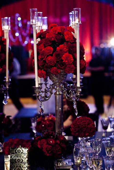 Very rich and elegant decor. Change out the roses for your favorite flowers in jewel tones.