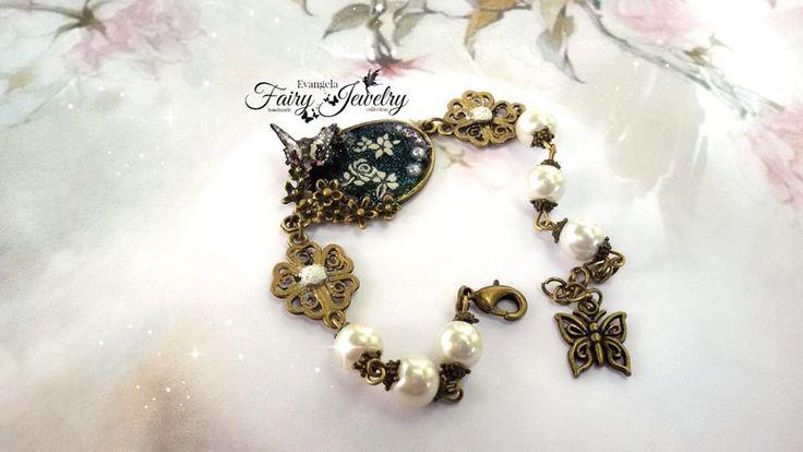 Bracciale bronzo anticato perle bianche farfalla , by Evangela Fairy Jewelry, 15,00 € su misshobby.com