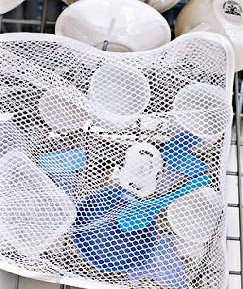 Мешок для стирки подойдёт и для мытья всяких мелочей (вроде детских бутылочек) в посудомоечной машине.