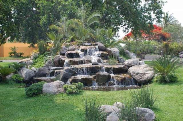 Cascadas en jardines peque os buscar con google for Cascadas jardin zen