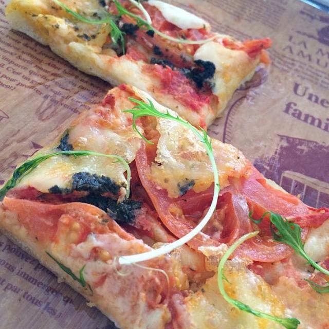 生地に大豆粉をつかってヘルシーピザ - 23件のもぐもぐ - 低糖質のトマトピザ♡ by aichristy