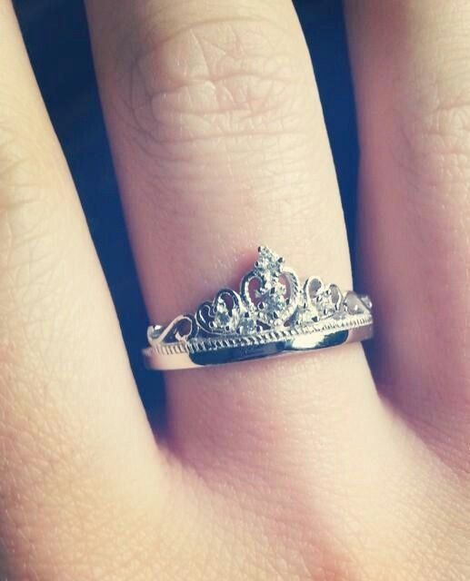 if anyone ever gets me a ring, please be a princess one