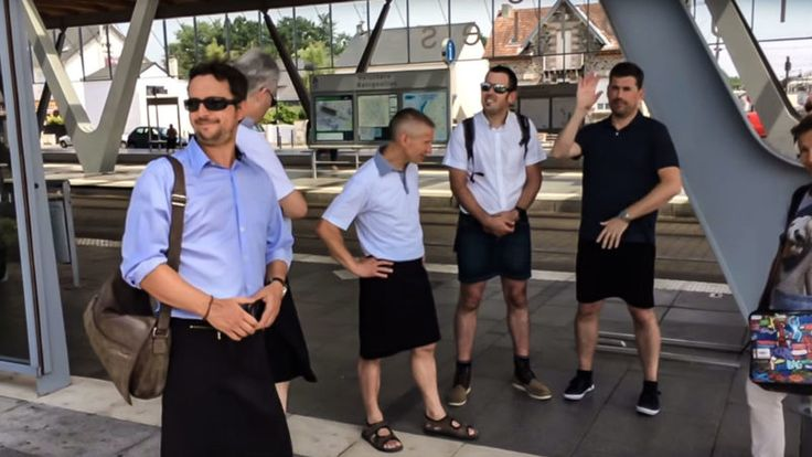 As temperatures climbed to 100 degrees Fahrenheit in a nationwide heatwave, bus drivers in the city of Nantes, France, asked for some slack in their dress code. They thought it was a reasonable request. Many of them said they worked in buses without air-conditioning. But their request to wear shorts was turned down by local authorities, so the drivers decided […]