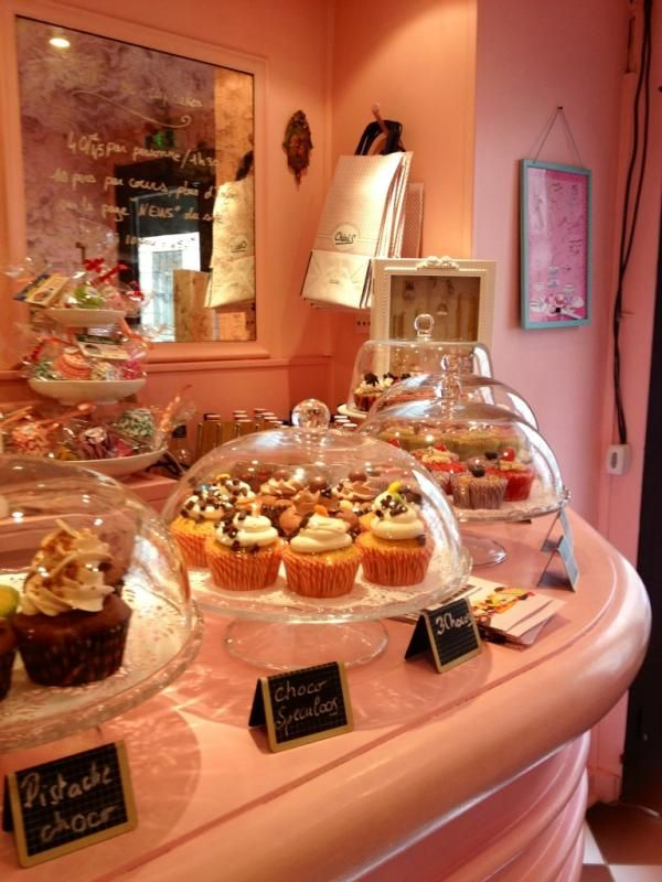 My friend went to a cupcake shop in Paris. Great concept.