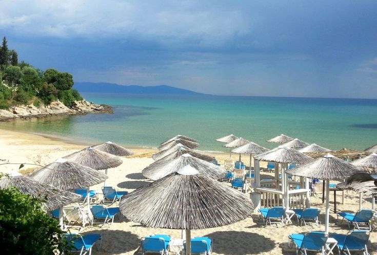 'HolidayCheck' Awards 54 Hotels in Greece for 2018
