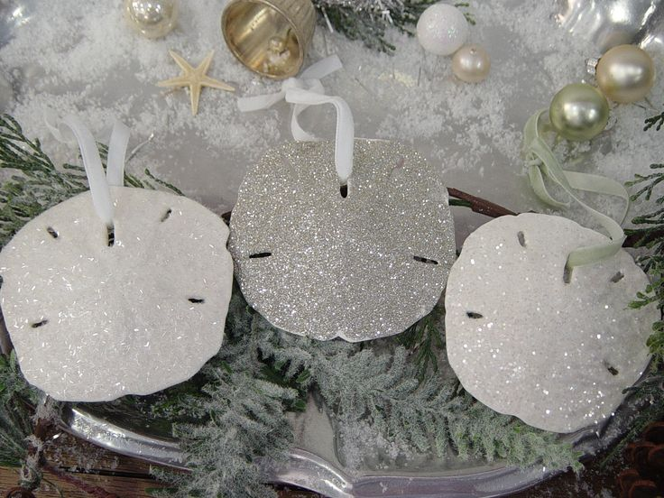 glitter sand dollar ornaments. so pretty! #LillyHoliday