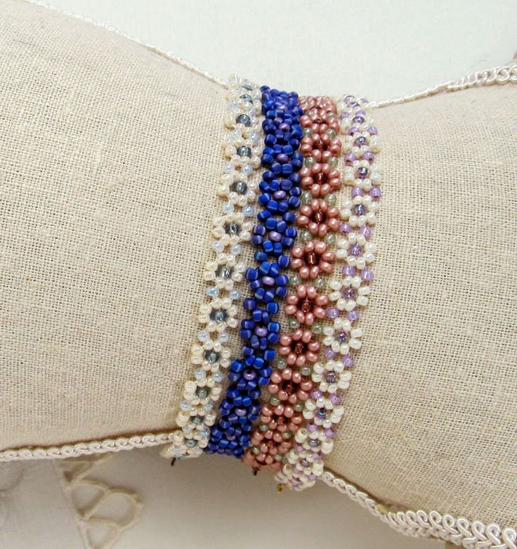 Free Bead Patterns and Ideas by Sandra D Halpenny : Daisy Chain Necklace or Bracelet Pattern - Free Pattern